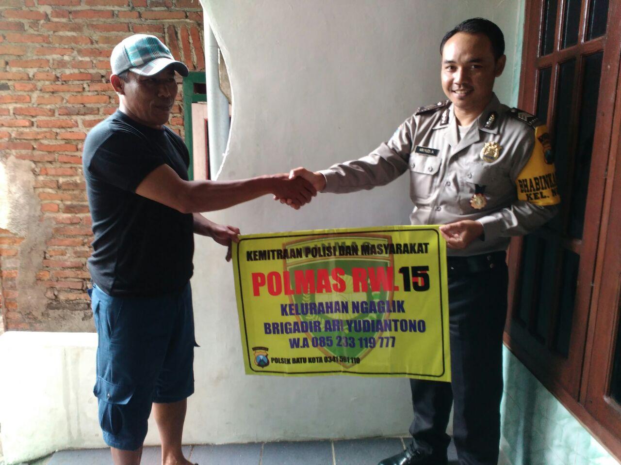 Anggota Polsek Batu Polres Batu Melaksankan Langkah Preemtif Polri Pada Masyarakat Binaanya