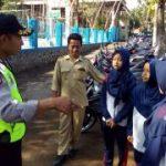 Anggota Bhabinkamtibmas Polsek Kasembon Polres Batu berikan Binluh Kepada Pelajar SMPN 01 Kasembon