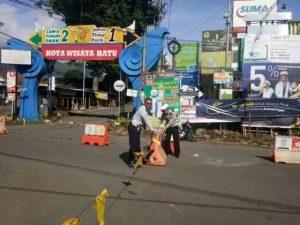 Satlantas Polres Batu Berlakukan Mode One Way Traffic System di Dewi Sartika