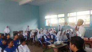 Anggota Satreskrim Polsek Pujon Polres Batu Lakukan Sosialisasi Ke Sekolah Sekolah