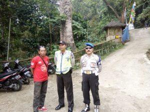 Polsek Kasembon Polres Batu Lakukan Pengamanan di Wisata Coban Ketak Guna Ciptakan Situasi Kamtibmas