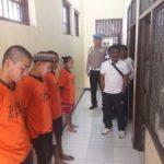 Pastikan Tahanan Dalam Keadaan Sehat, Piket Sipropam Polres Batu Lakukan Cek Tahanan