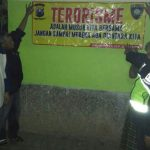 Anggota Polsek Batu Kota Polres Batu Melaksanakan Patroli Ke Pos FKPM Desa Sidomulyo
