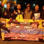Untuk Menciptakan Rasa Nyaman Di Wilayah, Anggota Bhabinkamtibmas Polsek Batu Polres Batu Patroli Dengan Anggota Jaga Ronda Malam Wilayah Binaan