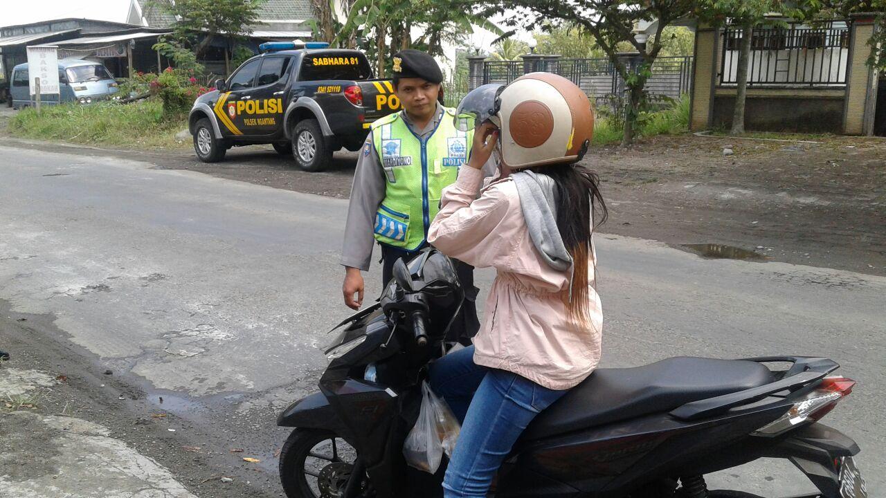 Polsek Ngantang Polres Batu Bersama Anggota Giatkan Cipkon Di Wilayah Hukum Polsek Agar Wilayah Aman Kondusif