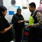 Anggota Polsek Batu Polres Batu Kunjungan Tempat Usaha Sampaikan Pesan Kamtibmas