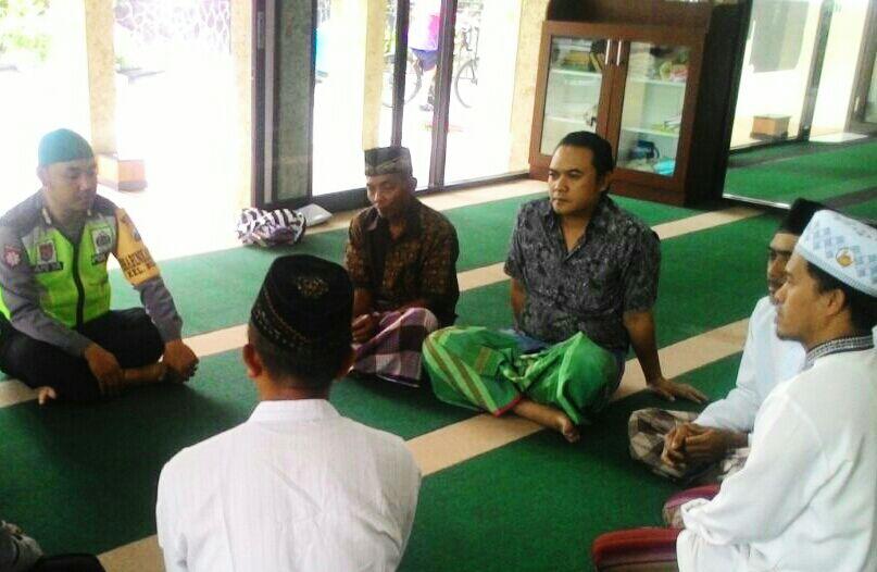 Sambang, Bhabinkamtibmas Ngaglik Polsek Batu Kota Polres Batu Tokoh Agama Tokoh Masyarakat