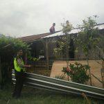 Bhabin Pesanggrahan Polsek Batu Kota Polres Batu Mantau Renovasi Rumah Keluarga Sri Rejeki