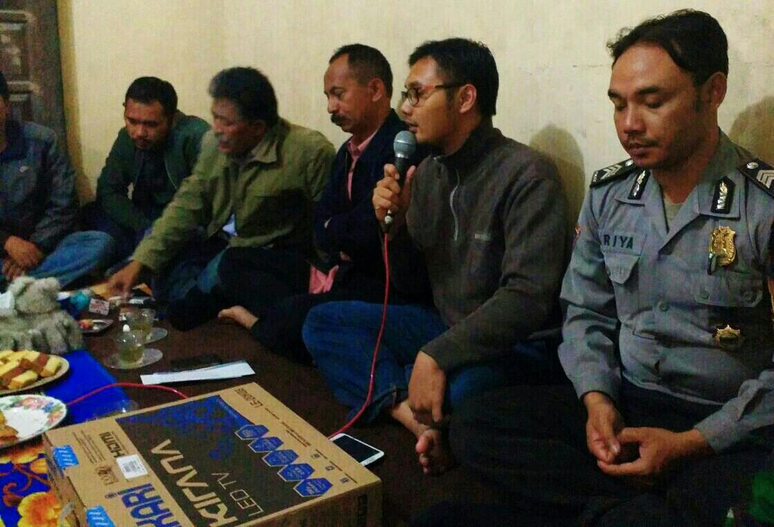 Bripka Ari Yudiantono melaksanakan Forum Silaturahmi Kamtibmas Binmas Polsek Batu Kota Polres Batu Bersama Toga Tomas Perangkat Kelurahan