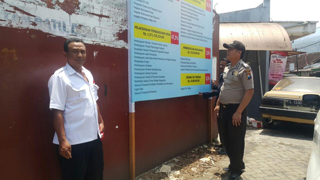 Pengawasan Dana Desa Binmas Polsek Batu Kota Polres Batu Silaturahmi kepada Kades Sumberejo Kec. Batu