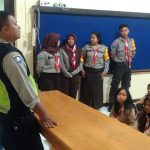 Kanit Binmas Polsek Batu Polres Batu Giat Patroli Sambang Sekolah Berikan Keamanan Wilayah