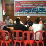 Anggota Bhabinkamtibmas Desa Pesanggrahan Polsek Batu kota Polres Batu Giatkan Pengawalan Perangkat Di Desa Pesanggrahan Kecamatan Batu