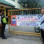 Sekaligus Jalin Mitra Kerja Bersama Masyarakat, Polsek Batu Polres Batu Giatkan Patroli Sekaligus Pemasangan Banner Himbauan Harkamtibmas