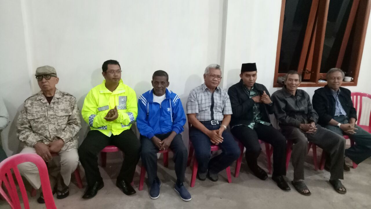 Anggota Polsek Batu Polres Batu Melaksanakan Giat Patroli Sekaligus Amankan Giat Pemilihan Ketua Rw 09 Flamboyant