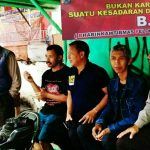 Anggota Bhabin Polsek Batu Kota Polres Batu Melaksankan Giat Patroli Binluh Kepada Tukang Ojek Binaanya
