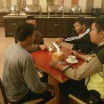 Anggota Bhabinkamtibmas Polsek Batu Polres Batu Sambangi karyawan Metropole Hotel Sampaikan Kamtibmas