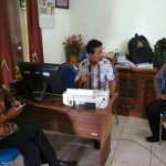 Anggota Bhabinkamtibmas Polsek Junrejo Polres Batu melaksanakan Peninjuan Sosialisasi Pelebaran Jalan Batu-Malang