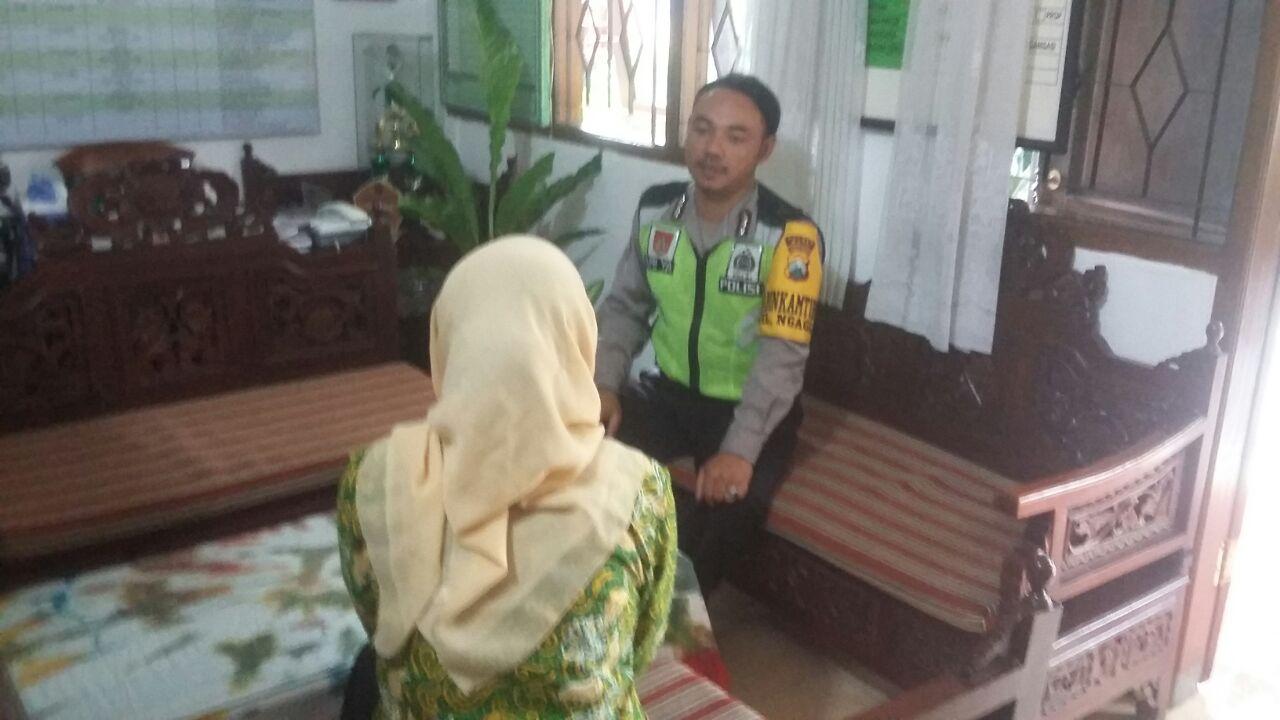 Polsek Batu Kota Polres Batu Kunjungan Binmas Kepala Sekolah SD Negeri Ngaglik 04 Batu