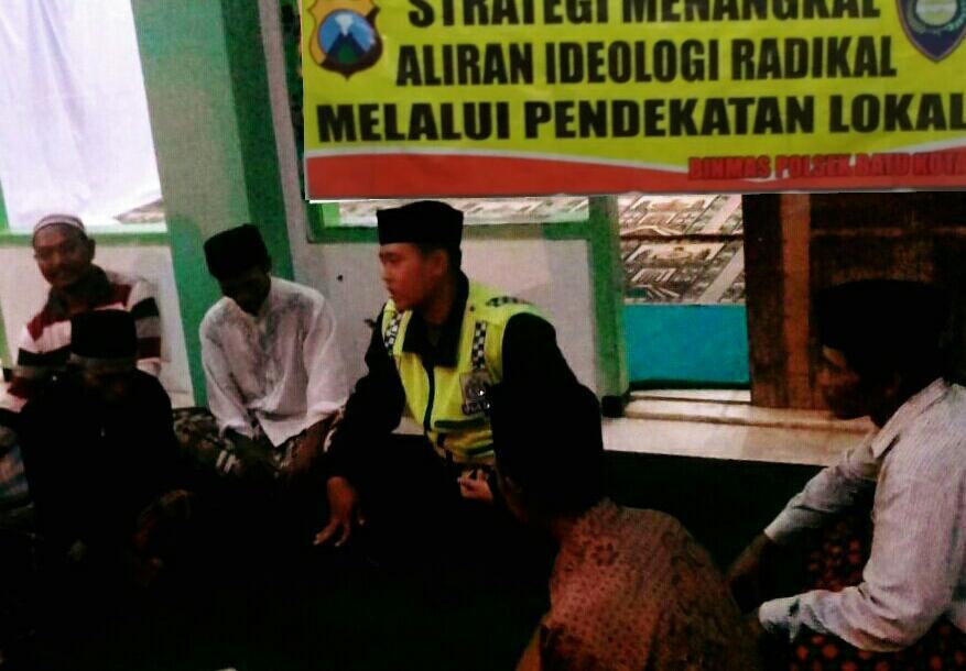 Binmas Polsek Batu Kota Polres Batu Melaksanakan Binluh kepada Jamaah Tahlil