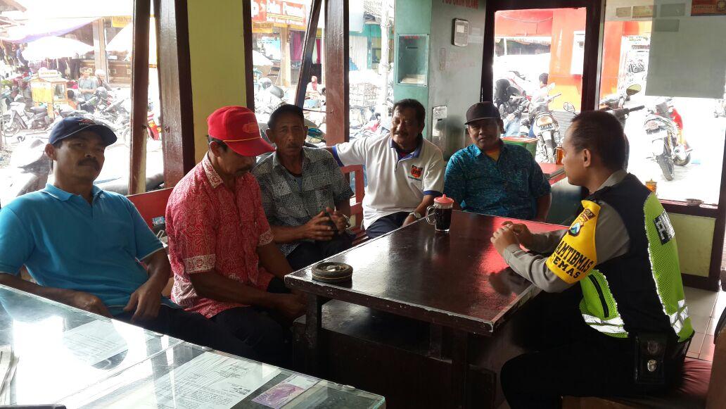 Giat Sambang dan Binluh Warga, Anggota Binmas Polsek Batu Kota Polres Batu Kunjungan Kelompok Pam Swakarsa
