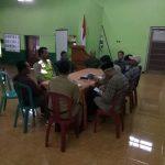 Anggota Bhabinkamtibmas Polsek Pujon Polres Batu Dan Perangkat desa Bersama Pengelola Wisata laksanakan rapat koordinasi