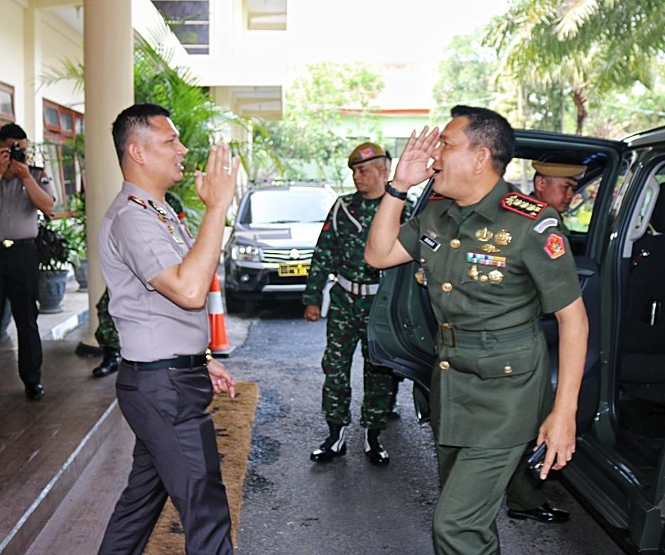 Komandan Pusdik Arhanud Batu Kunjungi Polres Batu Bentuk Sinergitas TNI – Polri