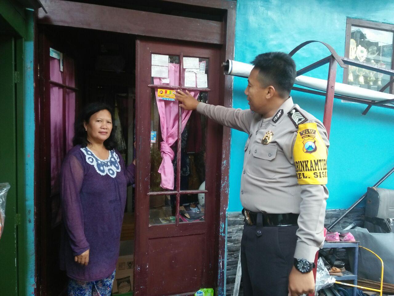 Melalui Kunjungan Mitra kepada Ibu Rumah Tangga Polsek Batu Kota Polres Batu Tingkatkan Kepercayaan