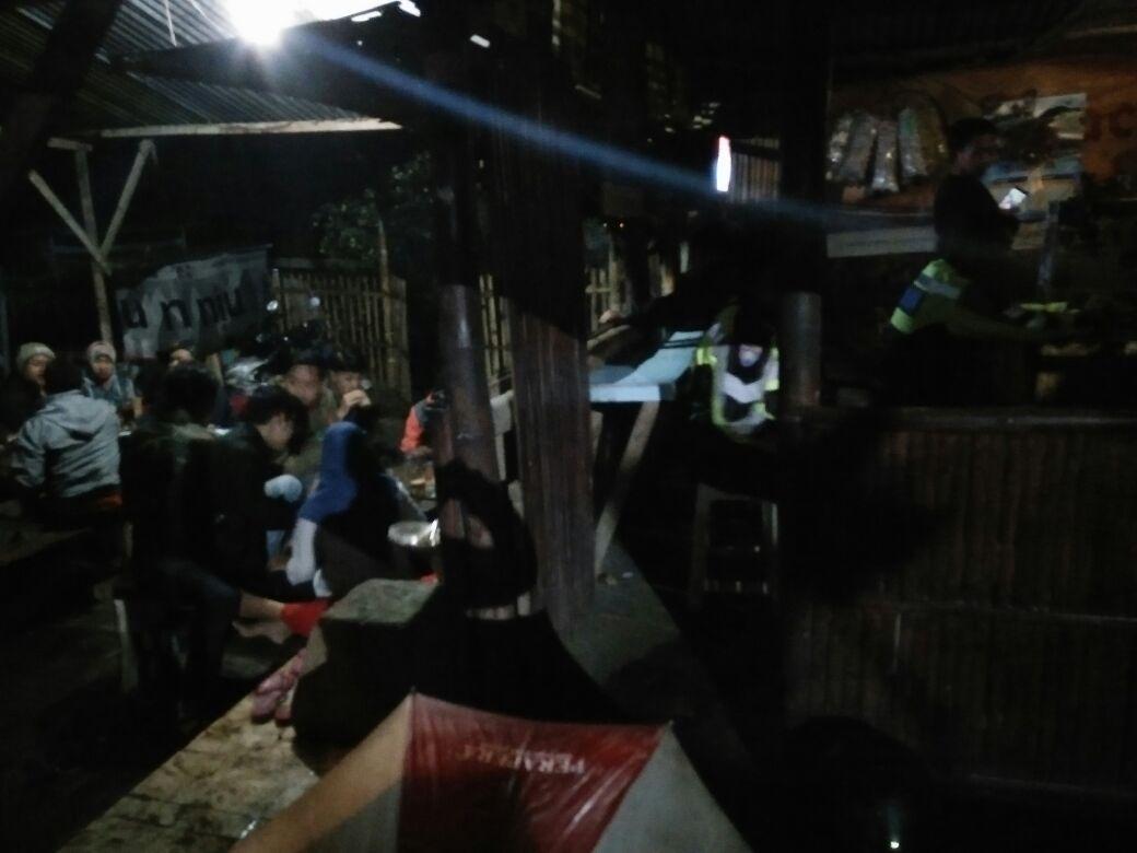 Polsek Bumiaji Polres Batu Melaksanakan Patroli Di Malam Hari Antisipasi 3 C