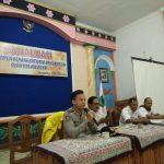 Anggota Bhabinkamtibmas Polsek Bumiaji Polres Batu Menghadiri Rapat Pertemuan Ketua RT/ RW Desa Pandanrejo