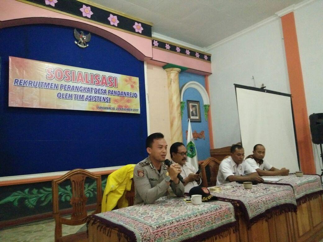 Bhabin Polsek Bumiaji Polres Batu Menghadiri Rapat Pertemuan Ketua RT/ RW Desa Pandanrejo