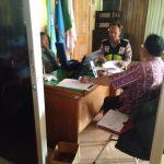 Binmas Polsek Pujon Polres Batu Melasanakan Sambang Terhadap Perangkat Desa Di Balai Dusun Dadapan Kulon Desa Bendosari
