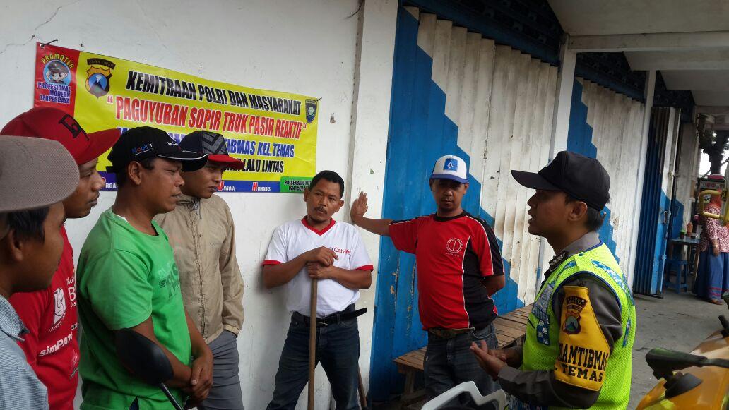 Kemitraan Polisi dan Mayrakata Paguyuban Truck Pasir Mitra Binmas Polsek Batu Kota Polres Batu