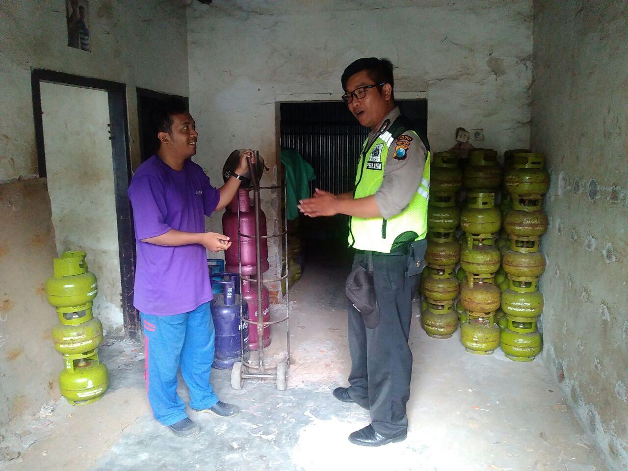 Kemitraan Dengan masyarakat Penyalur Elpiji 12 kg Mitra Bhabin Polsek Batu Polres Batu