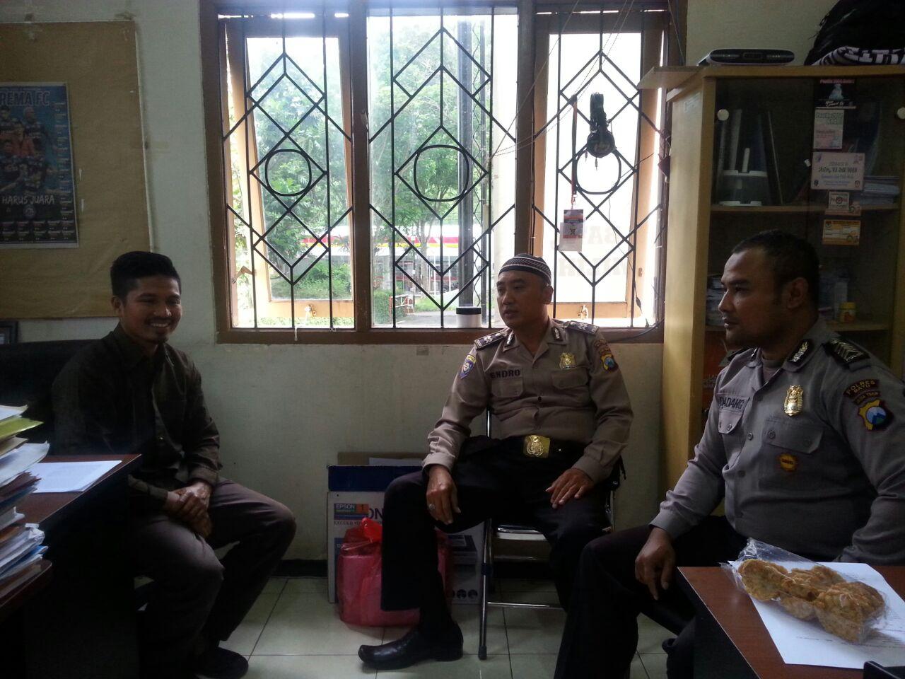 Kasatgas Preemtif Koordinasi dan Binmas Polres Batu Binluh Kepada Komisioner KPU Batu Dalam Ops Cipkon Semeru 2017
