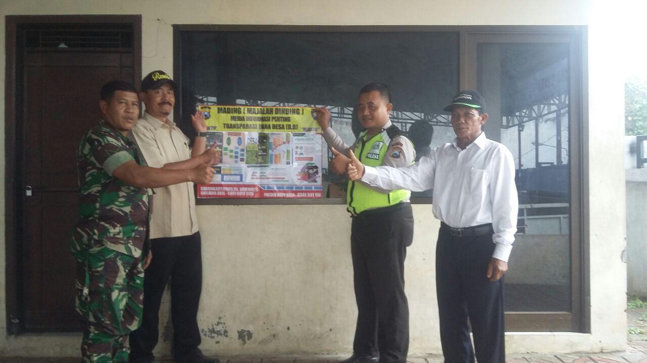 Penerangan Informatif Binmas Polsek Batu Kota Polres Batu Pasang Media Informasi Penting