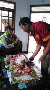 Bhabinkamtibmas Polsek Pujon Polres Batu Lakuka Giat DDS ke Rumah Warganya Guna Sampaikan Kamtibmas