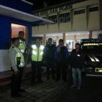 Kapolsek Pujon Polres Batu Bersama Unit Anggota Patroli Lakukan Giat Patroli Malam Tingkatkan Keamanan Wilayahnya
