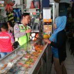 Bhabin Ngaglik Polsek Batu Kota Polres Batu Lebih Dekat Lagi Dengan Kelompok Masyarakat Penjual Perlengkapan Olahraga