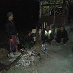Bhabinkamtibmas Polsek Pujon Polres Batu Sambang Pos Kamling Di Desa Wiyurejo