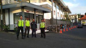 Anggota Unit Patroli Polsek Bumiaji Polres Batu Kegiatan Pengamanan Natal