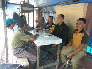 Sambangi Warga, Anggota Bhabinkamtibmas Polsek Batu Kota Polres Batu Serap Aspirasi Masyarakat
