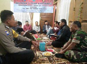 Giat Sambang, Kapolsek Pujon Polres Batu Dekati Warga Sampaikan Pesan Kamtibmas