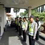 Kapolsek Pujon Polres Batu Pimpin Langsung Giat Apel Pagi Menjaga Kedisiplinan Anggota