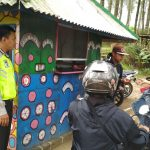 Bhabinkamtibmas Desa Bumiaji Polsek Bumiaji Polres Batu Patroli Wisata Berikan Himbauan Kamtibmas Untuk Wisatawan