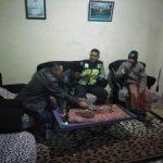 Bhabinkamtibmas Polsek Pujon Polres Batu Lakukan Kunjungan ke Perangkat Desa Binaannya tingkatkan Sinergritas