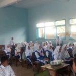 Anggota Satreskrim Polsek Pujon Polres Batu Laksanakan Sosialisasi Bahaya Penyalahgunaan Narkoba Kepada Siswa Siswi SMP