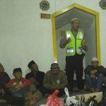 Bhabinkamtibmas Kelurahan Songgokertomenghadiri kegiatan warga paguyuban pedagang jagung bakar