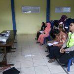 Berikan Keamanan Pada Saat Acara Berlangsung, Anggota Bhabin Polsek Pujon Polres Batu Patroli Menghadiri Acara Binaan Di Balai Desa