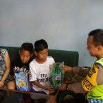 Anggota Polsek Batu Polres Batu Giatkan Sambang Peserta Khitanan Dan Berikan Himbauan Kamtibmas