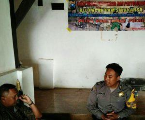 tatap Muka Menjaga Keamanan, Anggota Bhabin Polsek Batu Polres Batu Patroli Binluh Dengan Kelompok Pam Swakarsa Wilayah Bianaan
